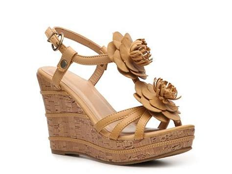 wanted wedge sandal dsw
