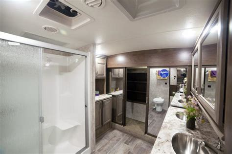 fifth wheel with 2 bathrooms 2 bath fifth wheels autos post