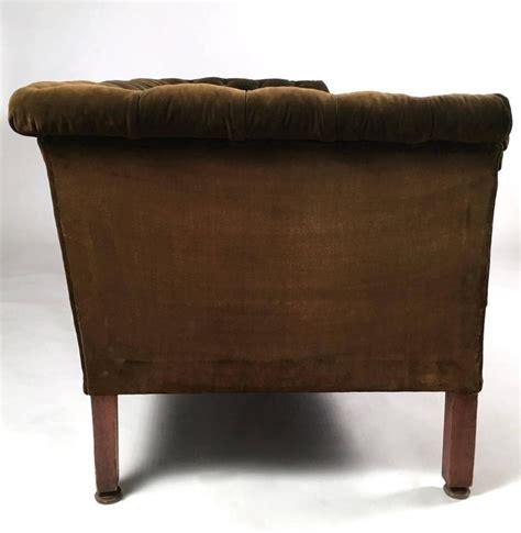 tufted velvet sofa 19th century green tufted velvet chesterfield sofa at 1stdibs