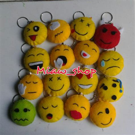 Boneka Emoticon Wisuda mainan bayi gantungan dhian toys