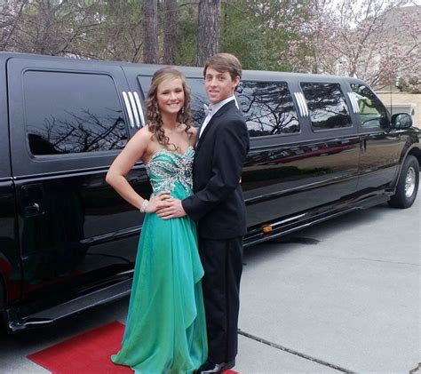 Limousine Rental For Prom by Nyc Prom Limousine Rental Prom Limousine Service 1 Hr
