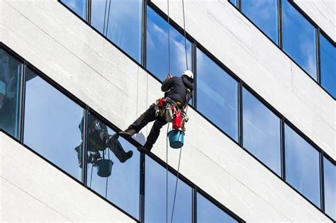 Carriage House by How Do Skyscraper Windows Get Clean 187 Science Abc