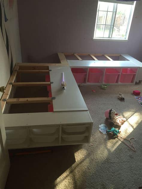 week  finished  custom corner bed frame    daughters  share  room