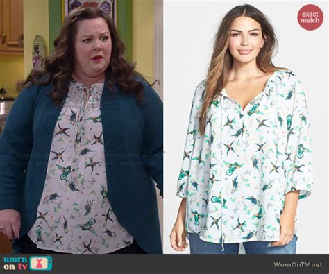 wornontv molly s bird print top on mike and molly