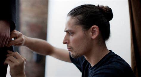 potongan rambut pendek laki laki yang lagi trend 5 gaya rambut pria yang akan tren di 2015 nowtes