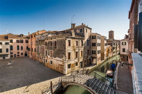 Venice Appartments by It Will Cost You 2 400 000 To Enjoy A Stunning Venice