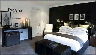 Men have their own style in decorating their bedroom interior and
