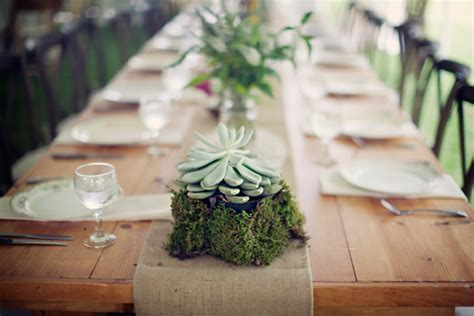 Inspiration ? Burlap Table Runners ? Ultrapom: wedding and