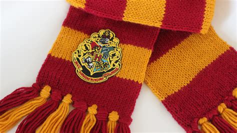 Knit Home Decor by How To Knit A Harry Potter Scarf Hogwarts Studio Knit