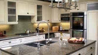 Countertops For White Kitchen Cabinets White Kitchen Cabinets Brown Countertops Quicua Com