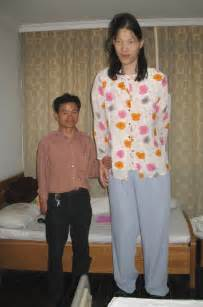 Yao defen the world s tallest woman at 7 feet and 7 inches has