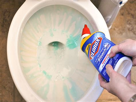 can you use toilet bowl cleaner on a bathtub christina on the clorox toilet bowl cleaner with bleach