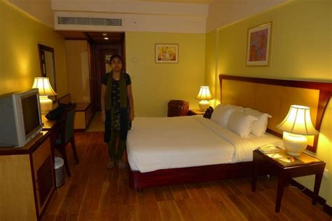 furnished rooms well furnished room at classic towers avenue picture of classic sarovar portico