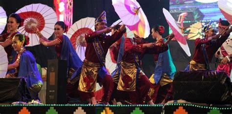 Payung Tari Brukat Hias Tradisional payung tari juwiring pusat payung hias