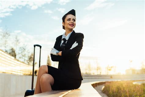 items flight attendants recommend bringing on the plane top5