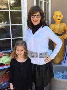 Lisa loeb releases lullaby music video featuring daughter lyla