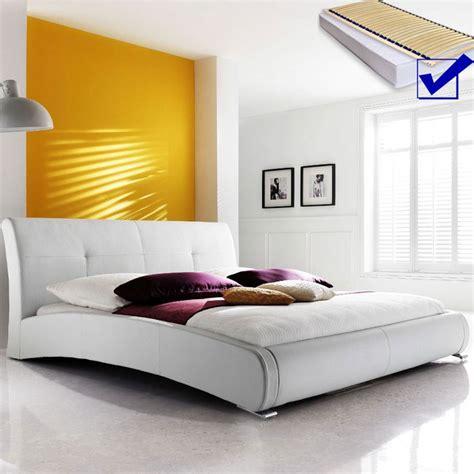 günstige schlafzimmer komplett mit lattenrost und matratze polsterbett komplett amadeo bett 140x200 cm wei 223