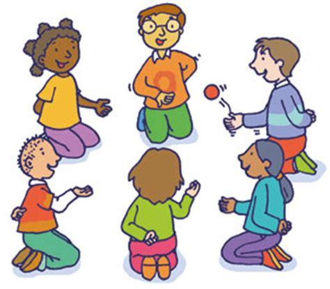 imagenes de niños jugando telefono descompuesto danzas y juegos del mundo deporteydiversion