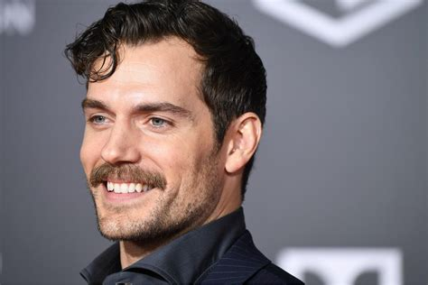 henry cavill superman beard henry cavill posts moving tribute video to his shaved