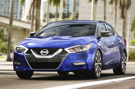 nissan maxima 2017 2017 nissan maxima receives updated packages apple