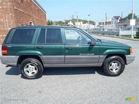 green jeep cherokee 1997 jeep grand cherokee green images