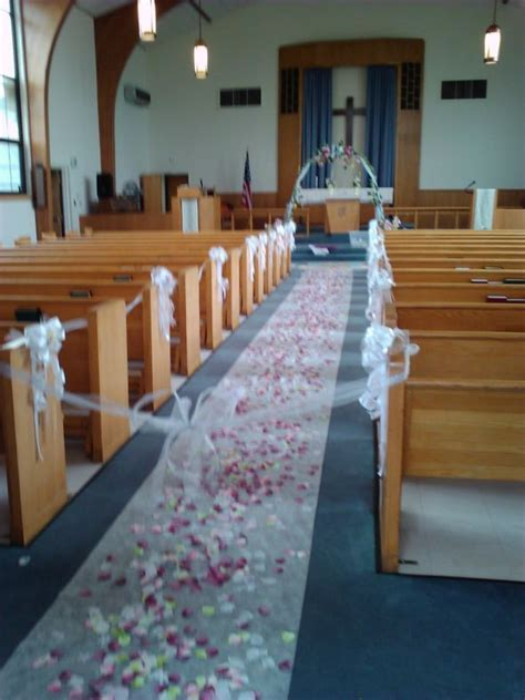 chapel decor   Weddingbee Photo Gallery