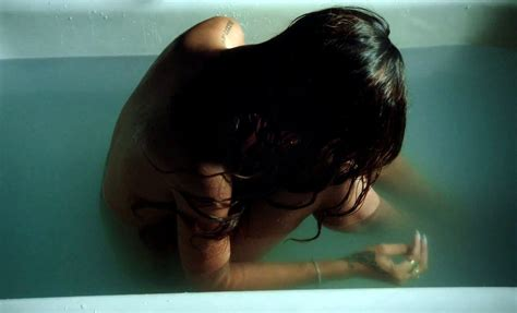 rihanna bathtub rihanna photos photos scenes from rihanna s stay video