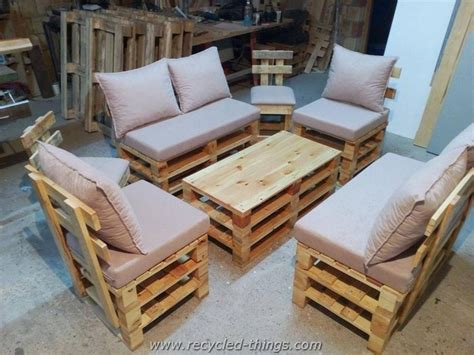 Wooden Pallet Furniture by Recycled Wood Pallet Furniture Ideas Recycled Things