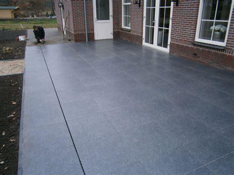 terras keramische tegels bestrating en grindbakken aanleggen hoveniers de vries