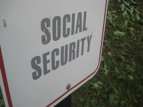 Social Security Office Eugene Or by Altamonte Springs Workers Comp Attorney Charles H Leo