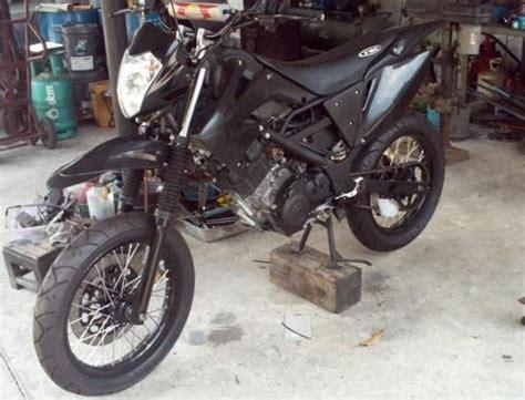 big motorycycle suzuki 150 motard style