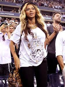 How Do You Rate Beyonces Casual Look by Look For Less Beyonc 233 Knowles S Casual Cool