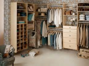 building a walk in closet in a small bedroom ideas