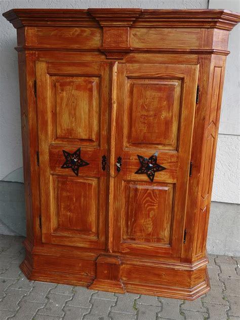 sverniciare persiane legno sverniciare il legno di mobili porte e finestre come