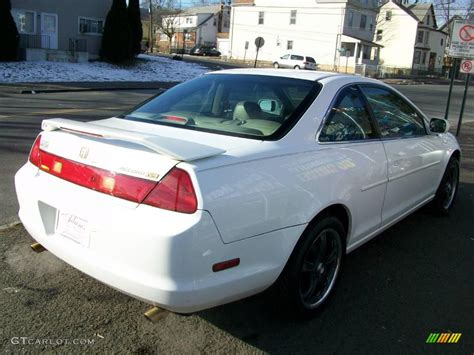 1999 honda accord ex coupe 1999 taffeta white honda accord ex v6 coupe 24588984