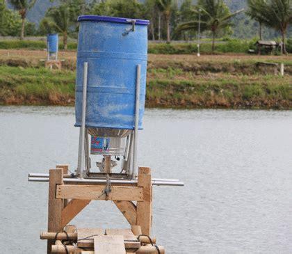 lebih mudah dengan alat pakan otomatis agro tekno trobos