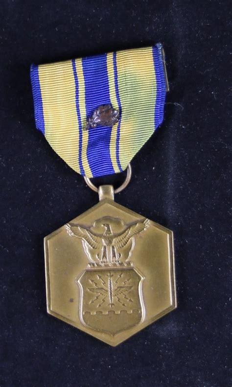 usa air force commendation medal  oak leaf cluster