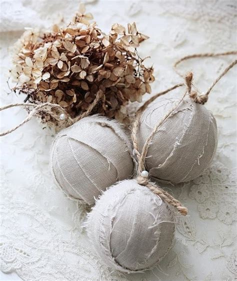 vintage white christmas decorating