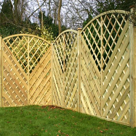 Curved Trellis Fence Panels 6ft Pressure Treated Curved Chevron Weave Trellis Panels