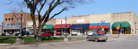 downtown mountain home arkansas on the town square