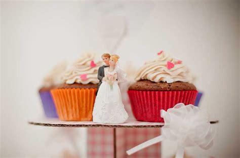 hochzeit gäste statt hochzeitstorte backen sie cupcakes usa kulinarisch
