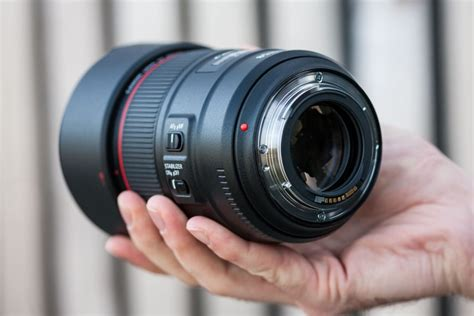 Canon Ef 85mm F 1 8l Usm Hitam canon ef 85mm f 1 4l is usm review trusted reviews