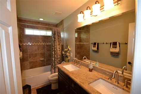 bathroom remodeling and finishing contractor serving