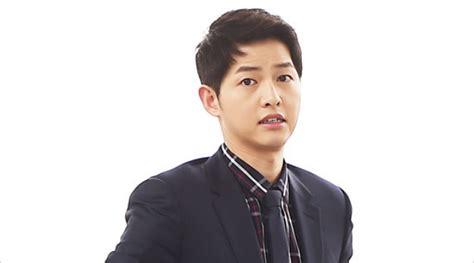 Setelan Kemeja Dan Dress Songsong pakai tuksedo merah song joong ki til menggoda di hong kong kabar berita artikel