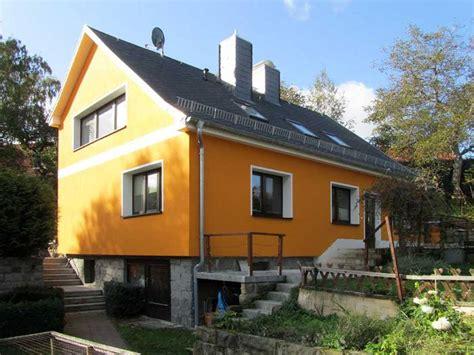 Hausfassade Farblich Absetzen by Fassadengestaltung Einfamilienhaus Grau Orange Olegoff