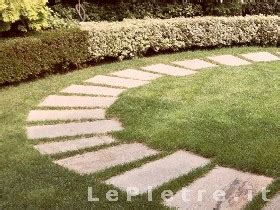 lastre da giardino lepietre it vialetti per giardini in pietra lastre in