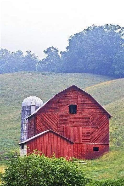 red barn 25 best ideas about barns on pinterest barn red barns