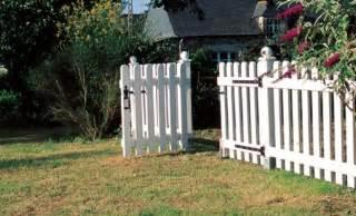 barriere de jardin en bois faire une barriere avec des palettes obasinc