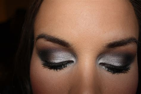 Eyeshadow Smokey grey smokey eye makeup how to