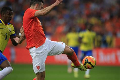 Persie Goal persie scores with chest trap and volley world soccer